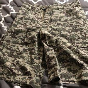 Dickies cargo shorts size 32